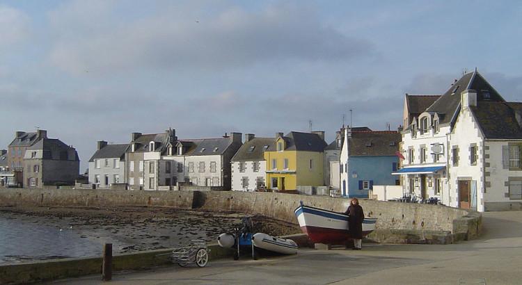 Île_de_sein,_quai_des_français_libres