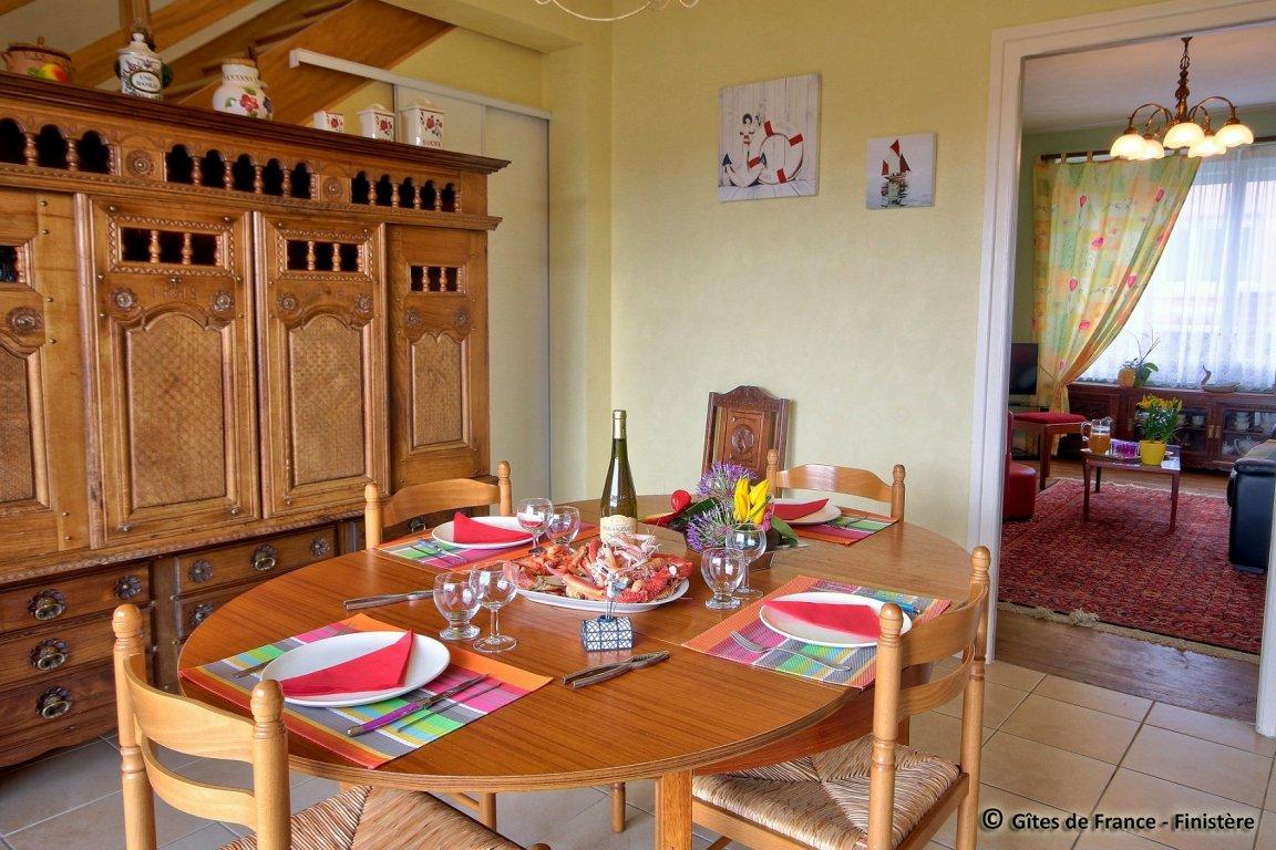 appartement vacances quiberon location 6 personnes marie annick lavenant. Black Bedroom Furniture Sets. Home Design Ideas