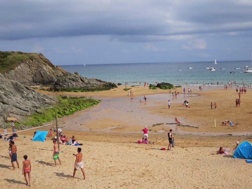Maison vacances avec piscine locmaria belle le location 5 for Camping belle ile en mer avec piscine