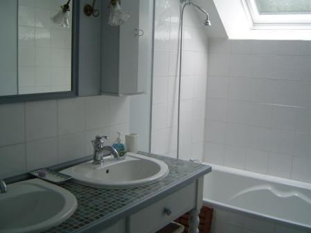 Maison vacances ile tudy location 4 personnes hubert peron for Belle mere dans la salle de bain