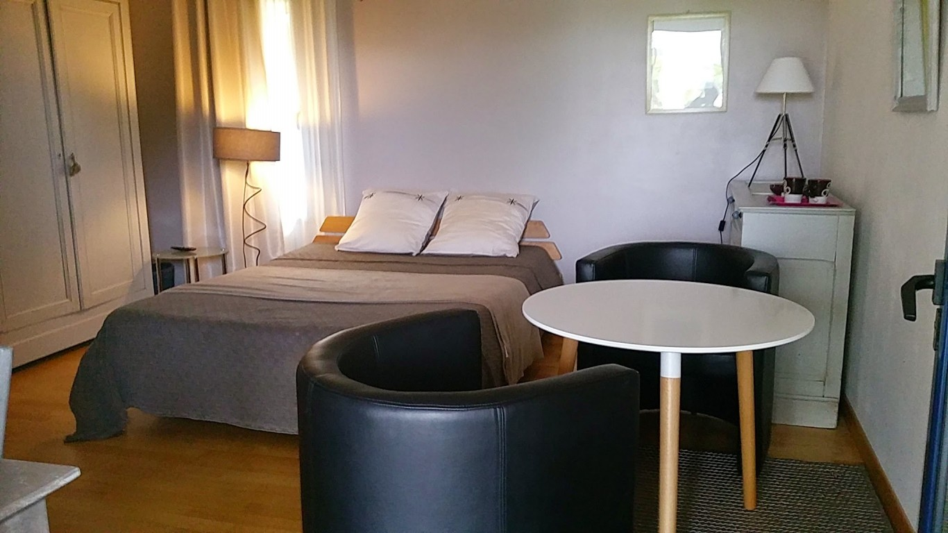 chambres d 39 h tes ile grande 2 personnes fran oise le mansec. Black Bedroom Furniture Sets. Home Design Ideas