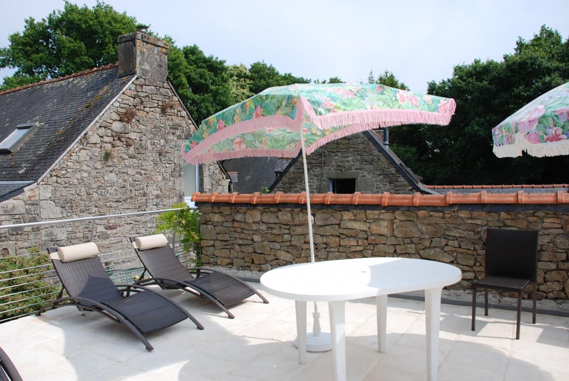 Maison vacances avec piscine ergu gab ric location 15 for Piscine avec solarium