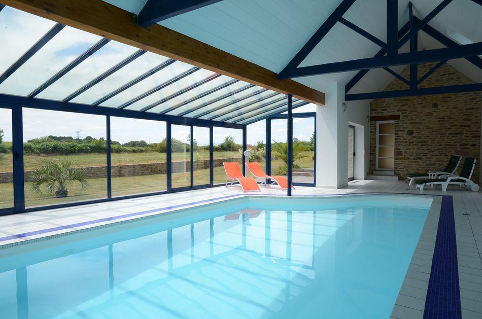 maison vacances avec piscine tregourez location 6 personnes jean saliou. Black Bedroom Furniture Sets. Home Design Ideas