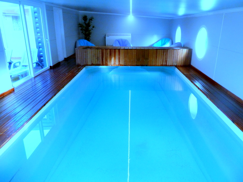 Maison vacances avec piscine guer location 8 personnes - Chambre d hote piscine chauffee ...